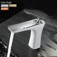 nova bacia de design venda por atacado-Atacado-New Design Brass Made Torneira Bacia.Base Sink Mixer Tap.Chrome / Gold Branco Pintura Faucet.Single Handle Deck Montado Faucet
