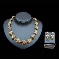 Wholesale 2017 simulated pearl jewelry set gold plated african beads austrian crystal necklace stud earring