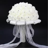 seda artificial marfil al por mayor-2017 Ivory Wedding Bouquet Dama de honor Artificial Flower Rose Bouquet Crystal Nupcial Bouquet de Mariage Silk Ribbon
