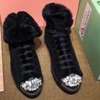 2017 Marca de luxo de mulheres Botas de tornozelo Rhinestone Lace Up Inverno Real Fur Fashion Botas de neve European High Quality Warm Flat Shoes A109
