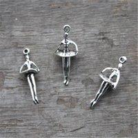 ingrosso fascino d'argento antico di balletto-20pcs - Charms ballerina, argento antico Tibetano Mini 3D balletto Dancing Girl Charm pendenti 25x10mm