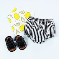 Wholesale Vertical Stripe Style - Hot Sell Vertical Striped Baby Underwear Girls Cute PP Pants Shorts Europe Style Stripe Toddler Cotton Brief bottoms A6096