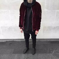chaqueta de vino tinto hombres al por mayor-Venta al por mayor- 2016 moda Chaquetas de gran tamaño Kanye West Vintage Wine Red hombres mujeres terciopelo tela plisada diseñador diseñador chaqueta de bombardero abrigos