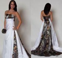 brautkleid reißverschlüsse großhandel-2019 Modest Camo A Line Brautkleider Trägerlose Falten Zip / Lace Up Zurück Sweep Zug Brautkleider Satin Elegant Vestido