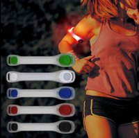 Running Sports Arm Band LED Pulseira luminosa Night Run Lights Equipamento de ciclismo seguro Leggings Pulseiras reflexivas KKA3118