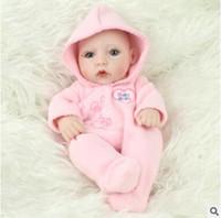 gerçek görünümlü kız bebekleri toptan satış-Reborn Bebek Bebekler Gerçek Bebek El Yapımı Reborn 28 cm Gerçek Görünümlü Yenidoğan Bebek Kız ve erkek Silikon Gerçekçi Doll