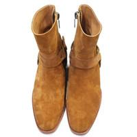botas de cuero marrón al por mayor-Moda Wyatt Biker Chains Botines para hombre Zapatos con punta de hebilla de los hombres Botas de cuero marrón Hombres Zapatos de vestir Botas Militares Zapatos de los hombres