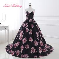 siyah dantel kırmızı çiçek toptan satış-Siyah Çiçekler Gelinlik Modelleri Balo Ucuz Seksi Sevgiliye Lace Up Vintage Parti Abiye giyim Elbise Kırmızı Halı Resmi Elbiseler