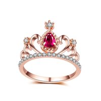 Barato Anel De Coroa De Ouro Vintage-Rose Red Crown Flower Anel de cristal Homens Gold Color Vintage Design Casamento Bijoux Party Gift Water Drop Rhinestone Rings for Women Jewelry
