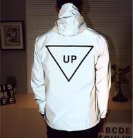 jaquetas reflexivas para homens venda por atacado-Homens jaqueta casual hiphop blusão 3m reflexivo jaqueta maré marca homens e mulheres amantes esporte casaco com capuz roupas fluorescentes