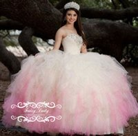 2017 abiti rosa e avorio Quinceanera Abiti da sfera con increspature a livello in argento lucido bordare Tulle Sweetheart di cristallo merletti Sweet 16 Party Dress