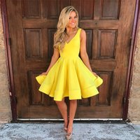 Wholesale cute knee length prom dresses - 2017 Yellow Short Homecoming Dresses V Neck Sleeveless Satin Knee Length Backless Short Party Dresses Cute Prom Dresses