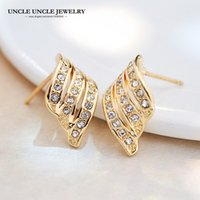 Angel Wings Design Mulher Brinco Gold Color 925 Needle Rhinestones austríacos embutidos clássico Lady Stud Earrings Wholesale
