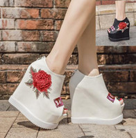 Wholesale Black Wedge Flower - Sexy women high heels flower embroidery white black peep toe platorm wedge shoes size 34 to 39