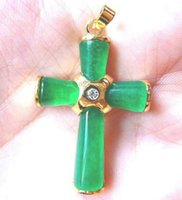 jade asiático venda por atacado-Charme asiático rara verde jade colar de pingente de cruz 17