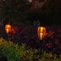ingrosso giardino di rattan-Outdoor impermeabile pannello solare in rattan LED torcia luci LED fiamma paesaggio prato illuminazione giardino patio lampione solare tremolante lampada a LED