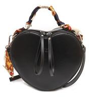 bolsas de cosméticos para el corazón al por mayor-Bolsa de cosméticos de viaje Estuche de maquillaje Mujeres Cremallera Mano Sostener Maquillaje Bolso Peach corazón paquete de mujeres bufanda bolsa de cosméticos