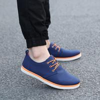marka tuval dantel ayakkabıları toptan satış-2017 Yeni Varış Bahar Yaz Rahat Rahat Ayakkabılar Erkek Kanvas Ayakkabılar Erkekler Için Dantel-Up Marka Moda Düz Loafers Ayakkabı