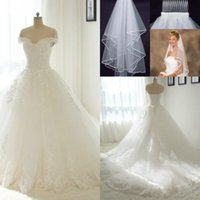 Wholesale Off White Bridal Veils - 2017 New Lace Off the-shoulder Ball Gown Wedding Dresses Vintage Appliques Arabic Beads Bridal Gowns Lace Up Wedding Gowns Free Veil