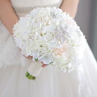 ingrosso fiori di corallo artificiali per le nozze-Modabelle Nuovo avorio e corallo bouquet da sposa bouquet spilla bouquet corpetto corsage damigella d'onore polso fiore fiore artificiale seta arredamento fai da te
