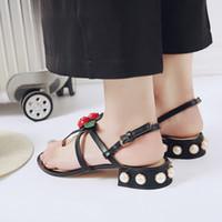 femmes d été sandales femmes femmes bien avec un seul canal de chaussures  appartements confortables flip gladiateur sandales parti chaussures de  mariage e8aab57018f