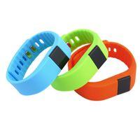 ingrosso tracker fitness fitness smart band tw64-TW64 Fitness Tracker Bluetooth 4.0 Smart Band VeryFit Smartband Smart Wristband Sport Braccialetto attività per iPhone 6 7 Apple IOS