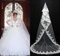 marfim capela comprimento casamento véu venda por atacado-Vintage branco marfim uma camada de véu de noiva rendas afiadas capela Comprimento Romântico Véus De Noiva com Pente Barato Pronto para enviar CPA091