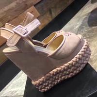 yüksek topuklu ayakkabıları bloke et toptan satış-2017 Marka tasarımcısı moda el yapımı örme takozlar sandalet renk blok dekorasyon kadın askısı yüksek topuklu ayakkabılar ruslana korshunova ayakkabı