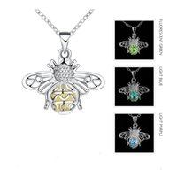Wholesale Bee Link - Glowing in the Dark Silver Plated Bee Pendant Necklace Luminous Jewelry Women Noctilucent Choker Necklace Women Party Jewelry Wholesale Gift