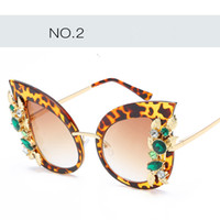Wholesale Newest Fashion sunglasses with Diamond for women fashion personality cat eye sunglass for beach party street