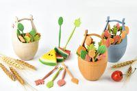 fourchettes à fruits achat en gros de-Nouvelle Arrivée 16pcs Vert Naturel Biodégradable Paille De Blé Feuilles Fruit Fourche Ensemble Gâteau De Fête Salade De Légumes Fourchettes Choix de Table Décor