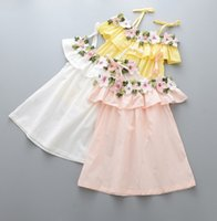 jupe mignonne jaune achat en gros de-Summer 2017 New Children Robe fille Robe stéréo Floral Lotus Leaf Cute Suspender Robe Summer Girls Jupe Blanc Rose Jaune B4699