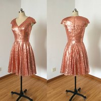 Rose Gold Sequins Vestidos Curtos Dama de honra V Neck Neck Sleeves Praia Vestidos de casamento Vestidos Cheap Maid Of Honor Vestidos de festa