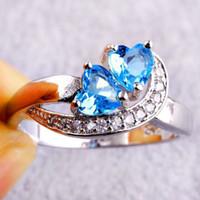 ingrosso anelli di diamanti blu chiaro-2017 nuovo micro-zircone anello a forma di cuore doppio amore intagliato diamante gioielli luce blu zircone circa 4g spedizione gratuita