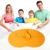 Venda por atacado- 27x16cm Silicone Placemat Bar Mat Baby Kids Grande Magia anti-turno antiderrapante Sucker Plate Mat Matraquinha Home Kitchen Pads