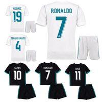 Wholesale 17 V - 17 18 kids real madrid Home white soccer jersey Ronaldo BALE LUCAS V MORATA JAMES RAMOS ISCO MODRIC away black child Football Shirt