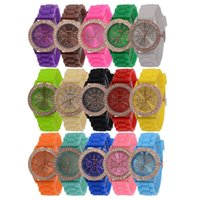 100pcs Fashion Shadow Genève Montre Crystal Diamond Jelly Rubber Silicone Sports Watches Hommes Femmes Quartz Candy Montres Casual kids