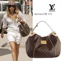 bej torba poşetleri toptan satış-(Seçim için 26 stil) Yeni stil !!! Yeni marka bayan bez çantalar omuz çantaları çanta kahve ekose veya Bej ekose M56382