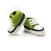 ingrosso i pattini appena nati handmade dell'uncinetto-All'ingrosso- Multicolor Knitted Baby Crib Shoes Handmade Infant Booties Crochet Lace-up Scarpe neonato 10cm