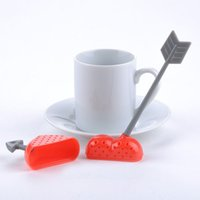 Lovely Herzform Kunststoff-Tee Infuser Sieb Kaffee Tee-Tools Filter der herbal Anwälte Home Design Küche Bar Gadgets Colander Löffel