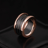 anillo de cerámica de moda al por mayor-Marca de acero inoxidable 316L anillos con cerámica blanca y negra en oro rosa plateado mujeres y hombres anillos joyería de la boda de moda PS5485