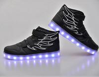 botas led unisex al por mayor-Venta al por mayor Led luz intermitente zapatos de ala de tobillo botas con carga USB unisex zapatos de pareja fluorescentes que ejecutan snakers deporte zapatos casuales