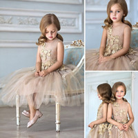 Wholesale Gold Gifts Christmas Pictures - 2016 Chic Gold Color Flower Girls' Dresses Lace Illusion Sleevs Beautiful Jewel 2016 Gold Lace Flowers Children Christmas Festivals Gift