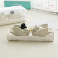 coctelera de sal pimienta de la boda al por mayor-Cerámica Love bird Salt Pepper Shaker Set Favores de boda y regalos para invitados Happily Ever After Bride and Groom 100pcs (50 sets)