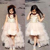 berühmtheit hochzeiten großhandel-High Low Mädchen Festzug Kleider mit Tutu Röcke Applikationen Perlen Pailletten Promi Kommunion Kleider Puffy Blumenmädchen Kleid für Hochzeiten