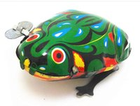 ingrosso vento su salto giocattolo rana-Bambini Classic Tin Wind Up Clockwork Toys Jumping Frog Vintage Toy Nuova Action Figure Toy For Children YH994