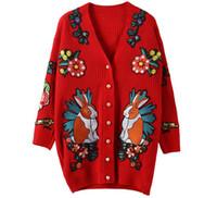 frauen blumen strickjacken großhandel-Herbst Winter Hohe Qualität Pullover Frauen Street Style Red Strick Tier Blume Gestickte Langarm Strickjacke Mäntel
