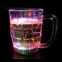 Al por mayor-colorido parpadeante LED Light Shots Cup Night Club Party Bar Drinking Beverage whisky vasos de cerveza Copa de agua reaccionan [1 PC]