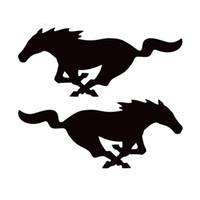 white horse autocollants achat en gros de-1 paire 22cm * 8.8cm cheval Mustang (1 droite 1 gauche) mode vinyle autocollants autocollants de voiture avec noir et blanc