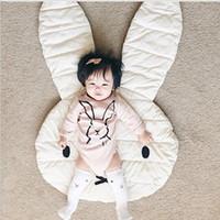bebek tarama paspasları toptan satış-Yumuşak Bebek Yastıklı Oyun Oynan Mats Tavşan Sürünme Battaniye Zemin Halı Çocuk Odası Sıcak Çocuk Yuvarlak Halı Sarmaşık Mat Büyük 106 * 68CM